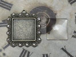 Glascabochon quadr., bronze, Rahmen gezackt